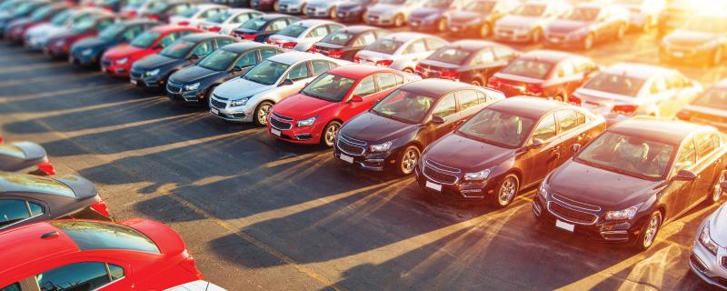 Diminuição nas taxas de juros aumenta a venda de veículos