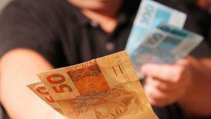 Pagar contas aumenta score