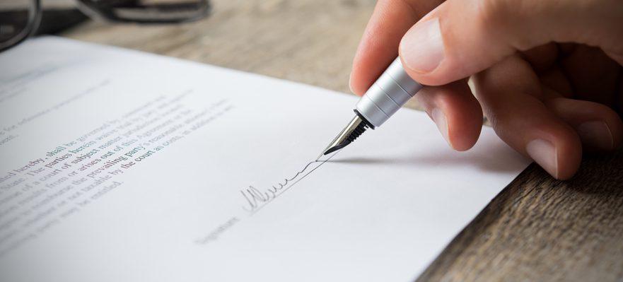 Identificar abusos em contratos