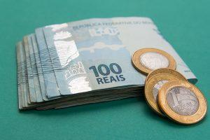 Revisar contratos de bancos