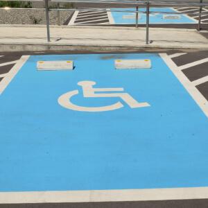carros pessoas deficientes